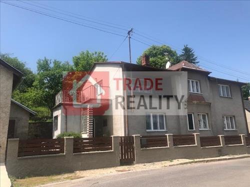 rodinný dům se děma byty a garáží,  Krasíkov